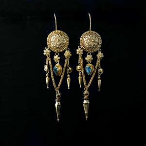 22k gold emerald earrings