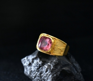 22k gold tourmaline ring