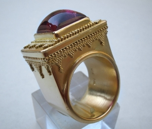22k gold greek ring